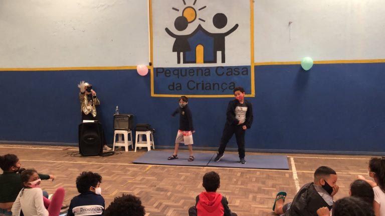 Dança dos meninos 2 - Semana da Criança