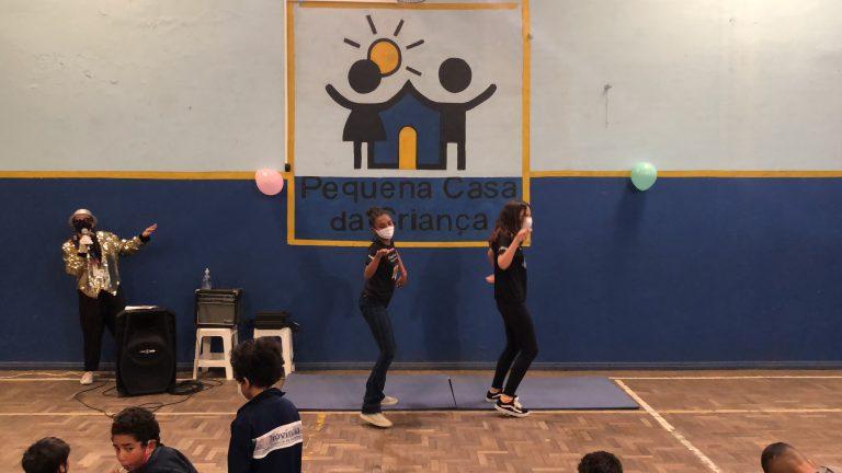 Dança das meninas - Semana da Criança